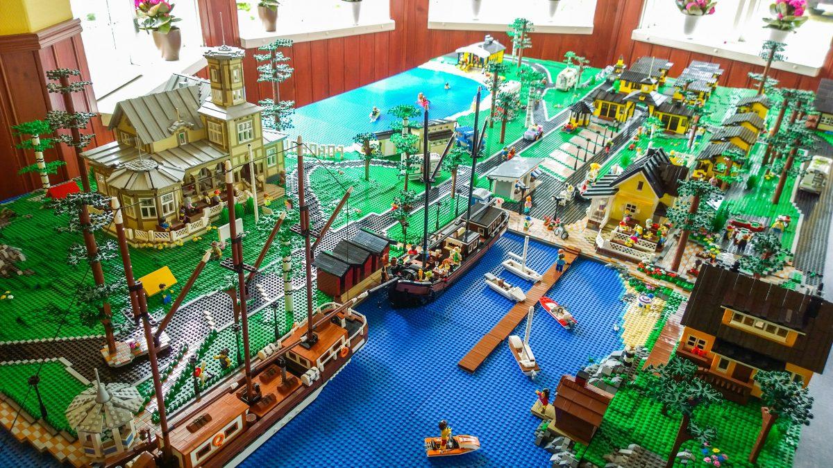LEGO Poroholma