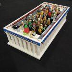 Lego minifigures inside Parthenon MOC - PiiPoo Lego-tapahtuma 2018